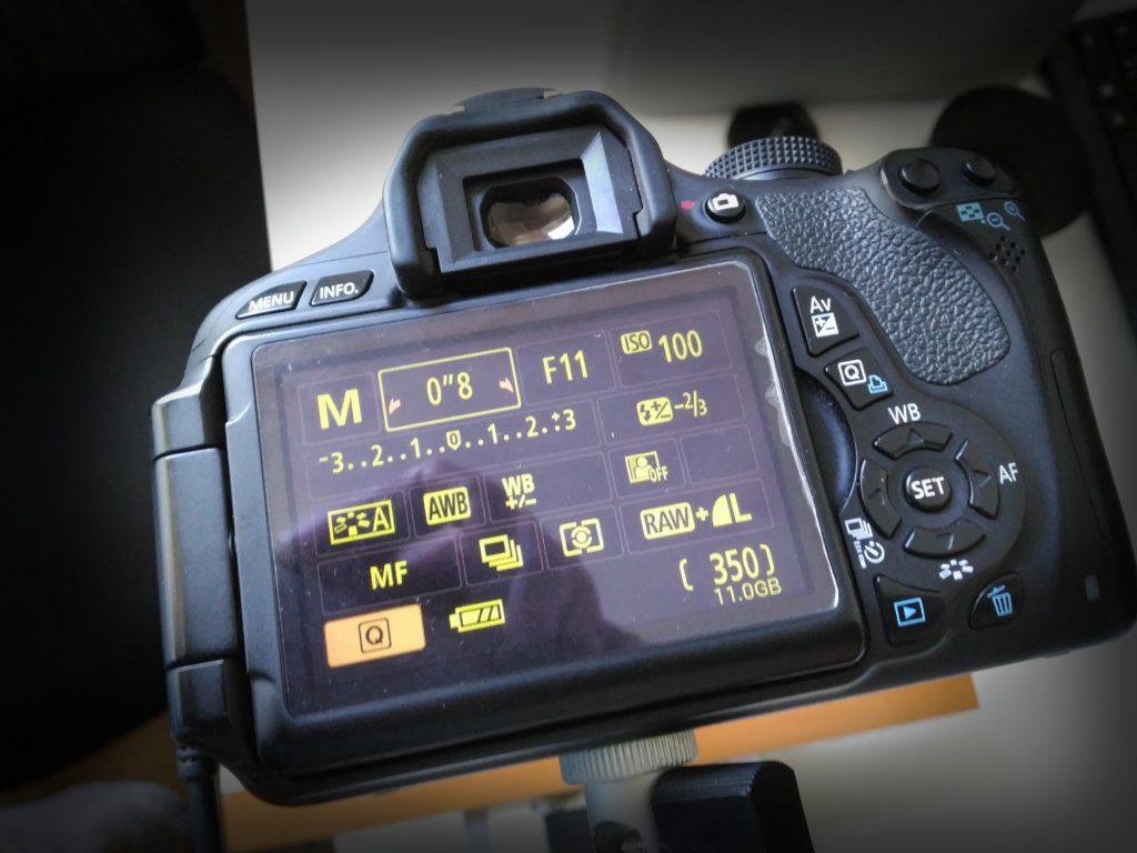 Mit diesen Kameraeinstellungen fotografiere ich meine Negative ab.